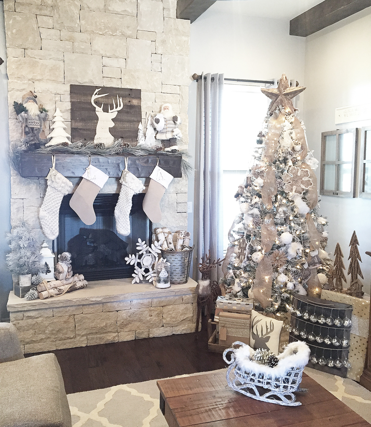 Rustic Farmhouse Christmas Decor
