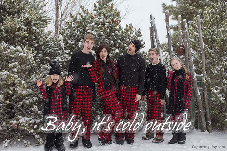 Baby, it's cold outside most creative and funny Christmas photos craft-mart