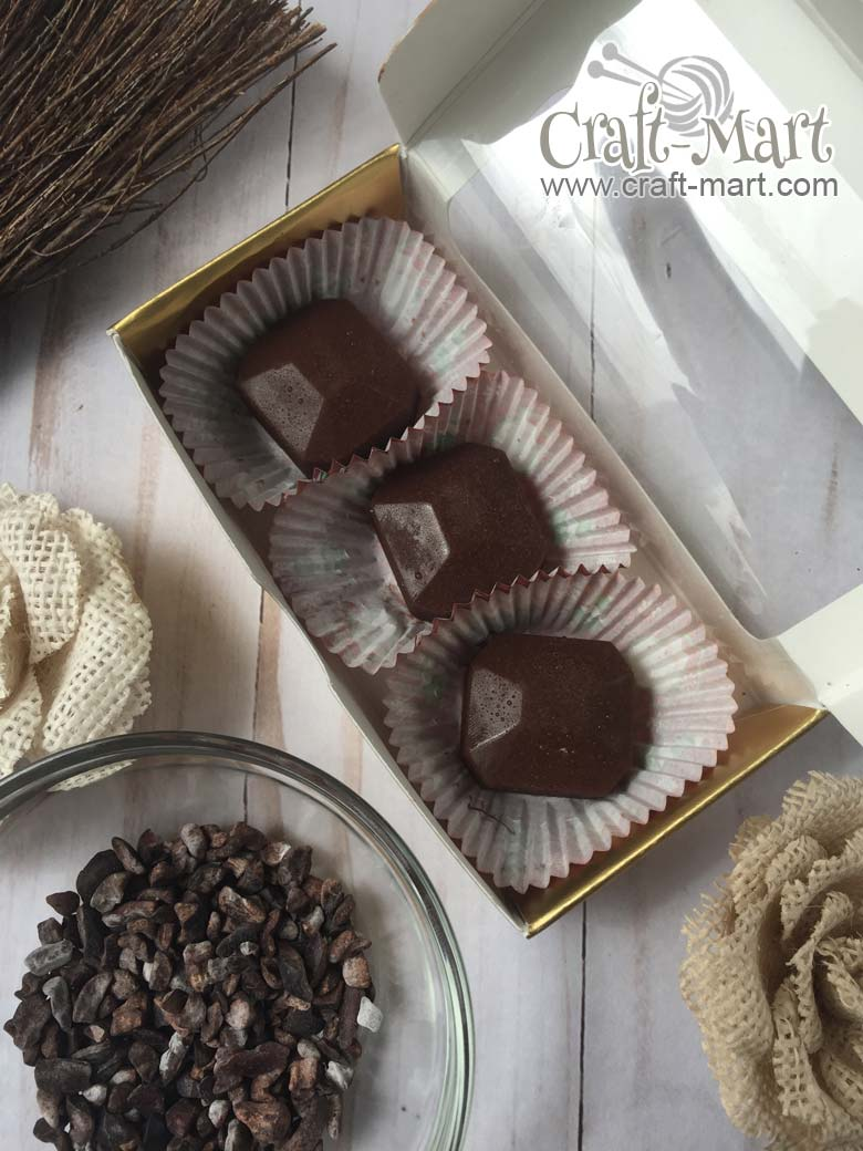 easiest-chocolate-keto-fat-bombs #ketosnack #ketodiet #ketofatbomb #chocolateketo   #ketodarkchocolate #ketochocolatefatbomb #cacaonibs #cacaonibsbenefits #easyketofatbombrecipes #easiestketofatbomb #highfatketosnacks #highfatlowcarbdessert