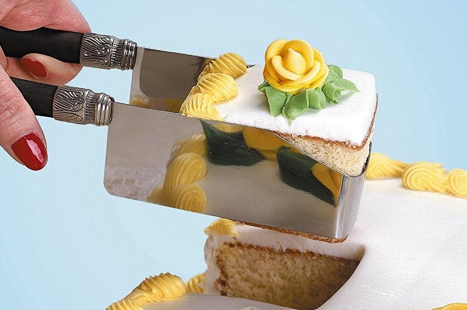 square cake cutter