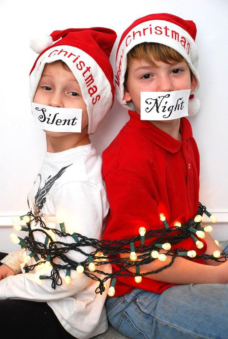 Silent Night most creative and funny Christmas photos 17 MOST CREATIVE AND FUNNY CHRISTMAS PHOTOS (PLUS SAYINGS AND QUOTES) #funnyChristmasphotos; outdoor Christmas picture ideas; unique Christmas cards