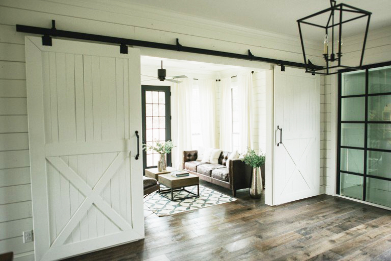 sliding barn doors for interior use