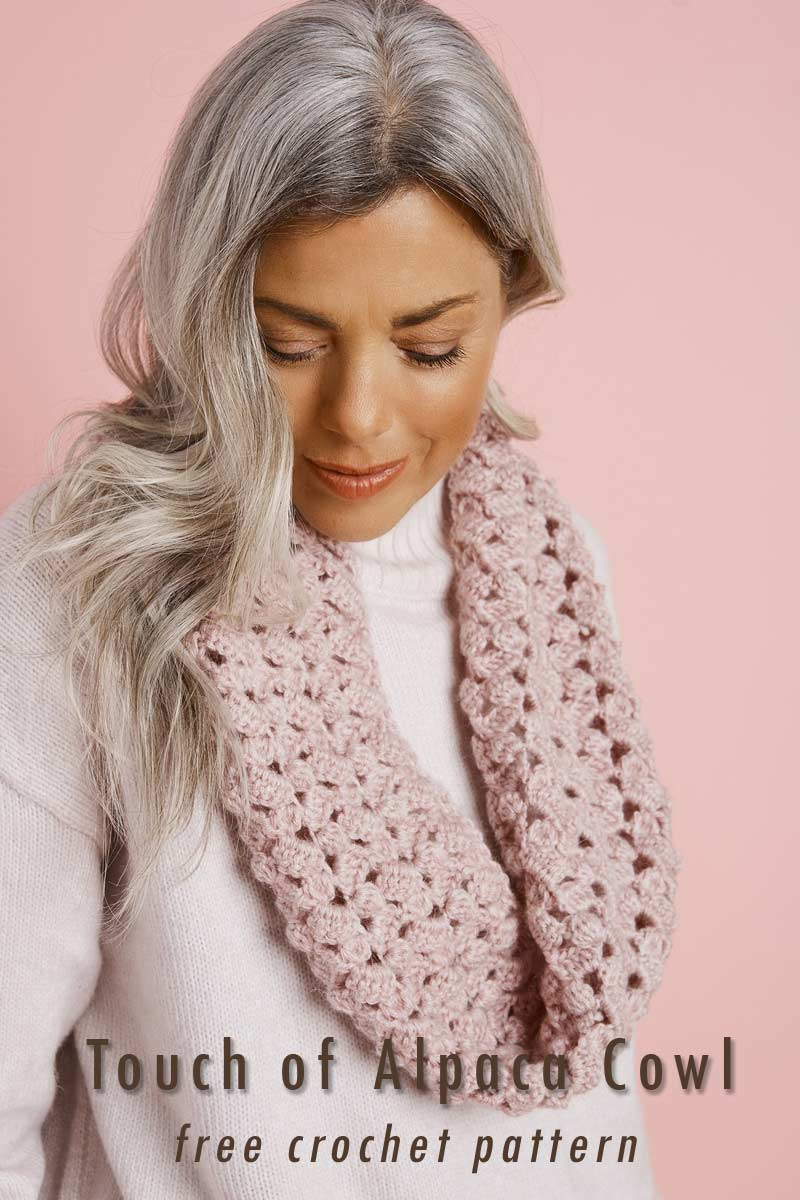 Easy Crochet Projects - touch of Alpaca cowl in blush - spring-summer free crochet patterns roundup