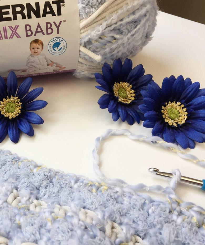 how to crochet a baby blanket #freecrochetpattern #easycrochetblanketpattern