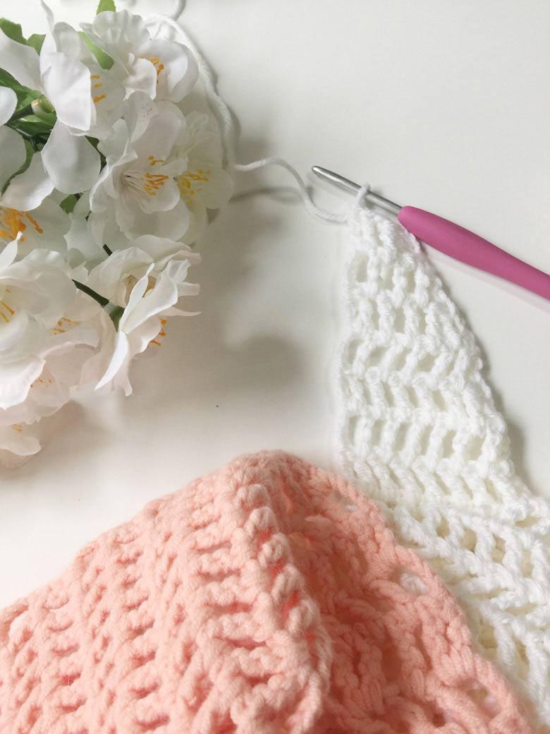 Capri Summer Crochet Scarf - lightweight crochet scarf pattern; modern crochet scarf pattern; #diycrochetshawl #easycrochet #trianglescarfpattern #freecrochetscarfpattern