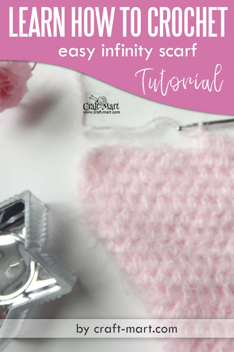 Learn how to crochet infinity scarf pattern - This unique one-skein crochet pattern is perfect for beginners and uses only 2 basic crochet stitches #learntocrochet #howtocrochetinfinityscarfpattern #crochetinfinityscarfpattern #freecrochetscarfpattern #freeinfinitycrochetscarfpattern #crochetscarfforgirl