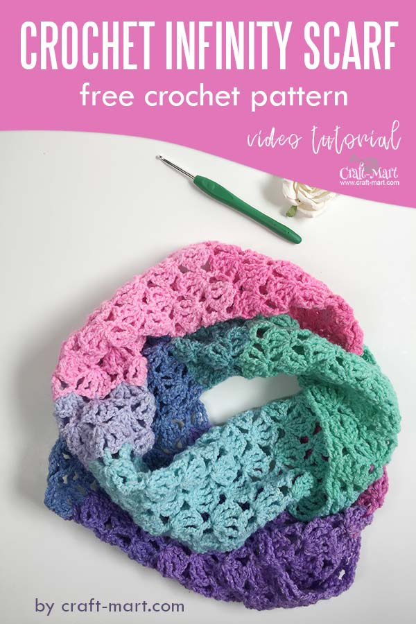 Learn to crochet an easy infinity scarf with our free